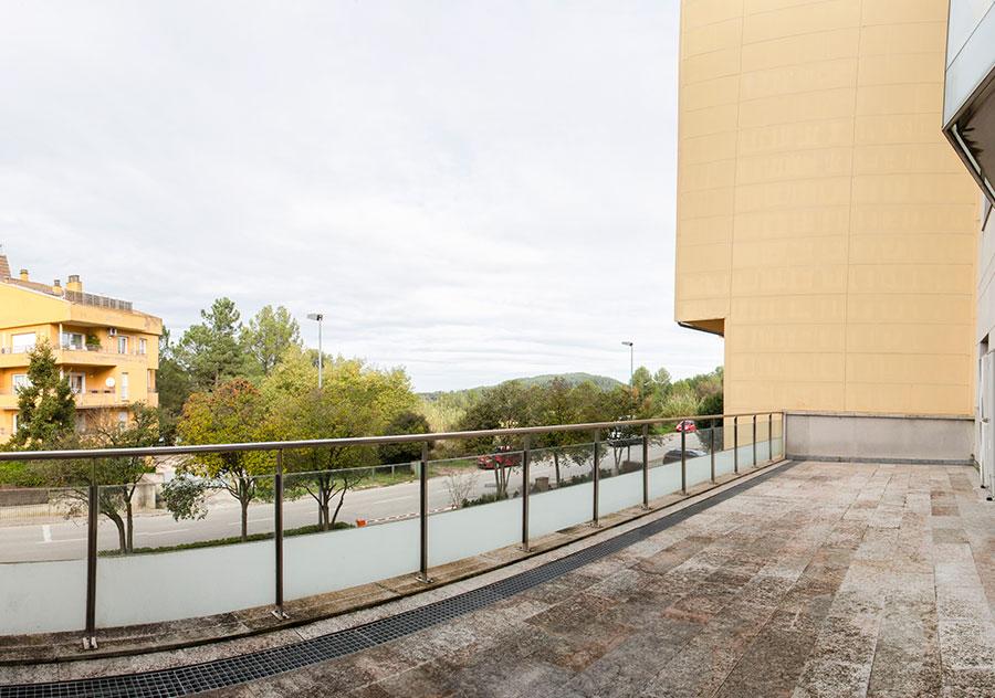 Venda de pisos a Montjuic (Girona) - Edifici Fort Roig - Balco